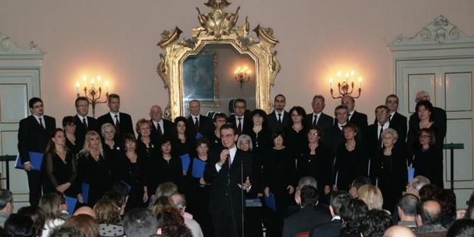Coro S. Cecilia Galliate - Concerto Prefettura Novara - 2010